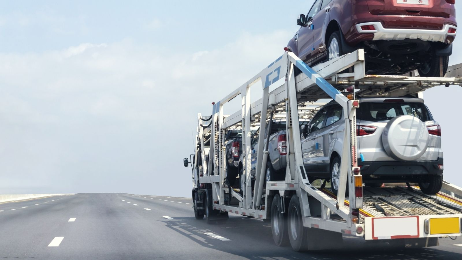 Reasons To Hire a Long-Distance Car Transport Service